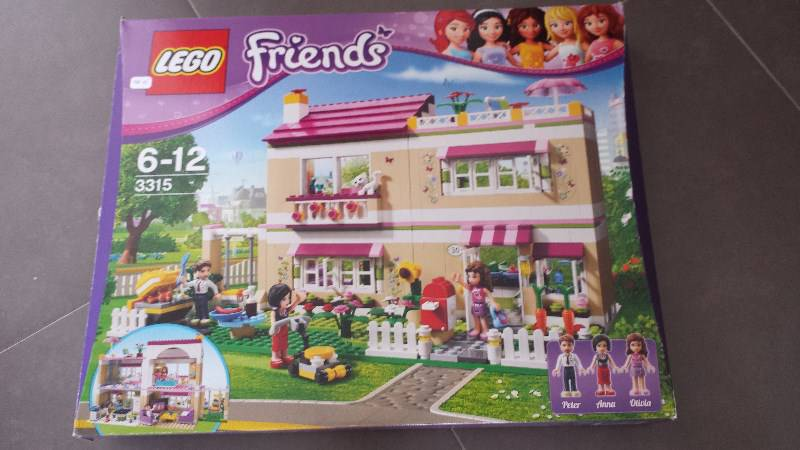 lego friends the villa classified ad games toys. Black Bedroom Furniture Sets. Home Design Ideas