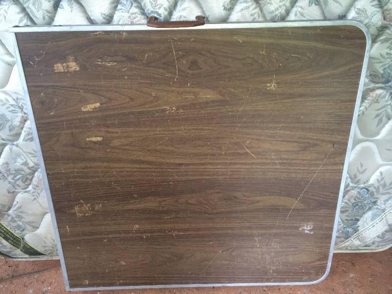Table pliable annonce mobilier et quipement d for Equipement exterieur