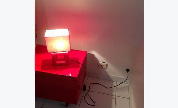 Lampe de chevet annonce meubles et d coration terres for Lampe de chevet orientale