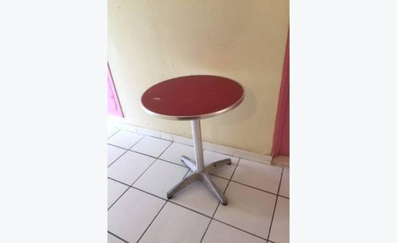 Table bistrot annonce mobilier et quipement d 39 ext rieur mont vernon saint martin - Table bistrot exterieur ...
