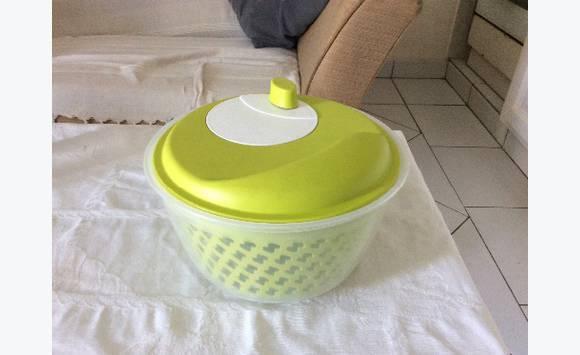 Wringer washing salad