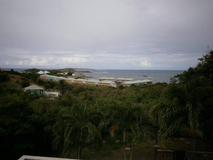 Villa avec piscine vue mer a cul de sac annonce ventes for O piscines de martin saintes