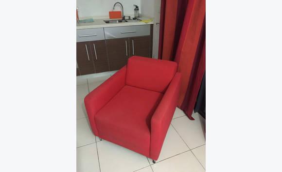 fauteuil rouge annonce meubles et d coration guadeloupe. Black Bedroom Furniture Sets. Home Design Ideas