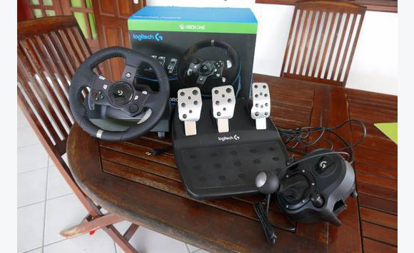 volant xbox one pc logitech g920 annonce consoles. Black Bedroom Furniture Sets. Home Design Ideas