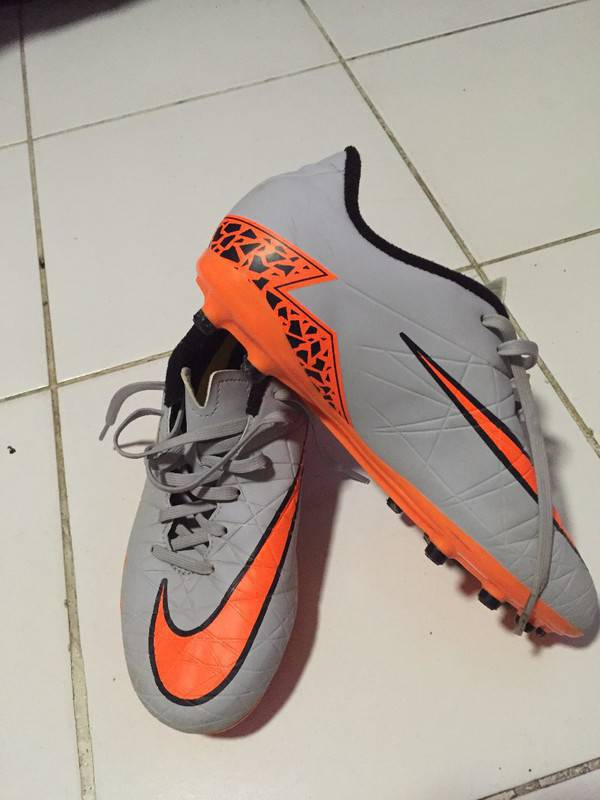 Pair Of Soccer Cleats Brand Nike Shoes Saint Martin Cyphoma