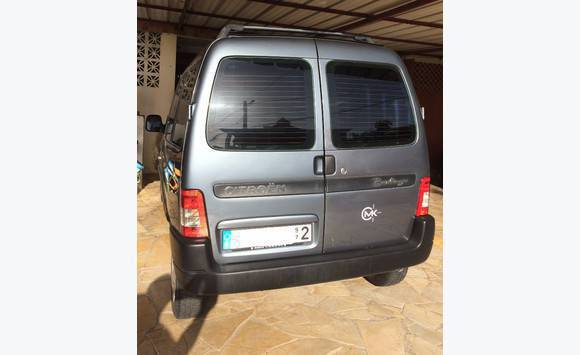 citroen berlingo 1 phase 2 1 6hdi 75ch annonce voitures le fran ois martinique. Black Bedroom Furniture Sets. Home Design Ideas