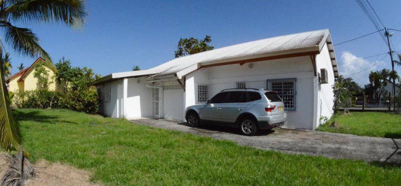 Villa bourg de matoury proche tous annonce ventes for Acheter maison guyane