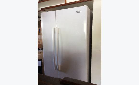 frigo americain classified ad household electrics. Black Bedroom Furniture Sets. Home Design Ideas