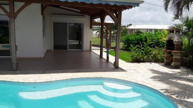 Rare belle et villa avec piscine tout annonce for Villa piscine martinique