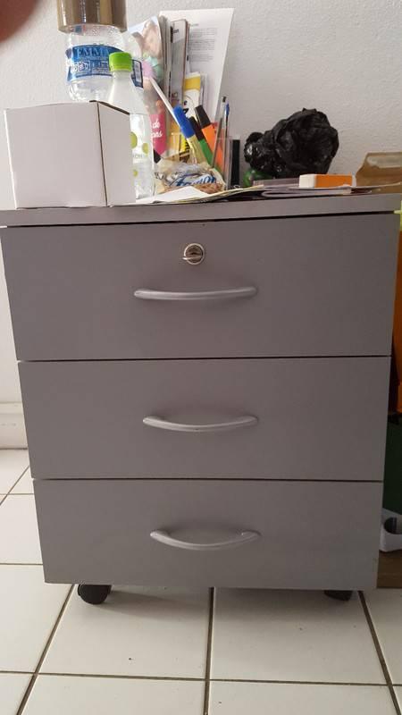 Caisson de bureau 3 tiroirs annonce petit mat riel for Petit caisson a tiroir