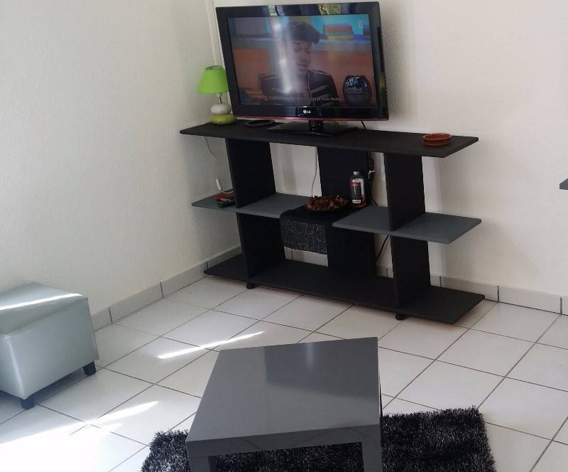 studio meubl et quip 530 locations martinique. Black Bedroom Furniture Sets. Home Design Ideas