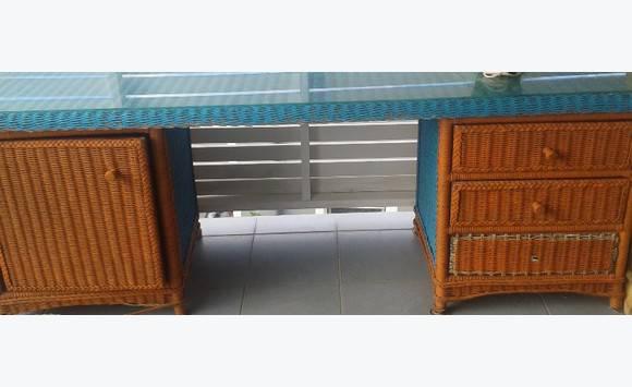 ensemble meuble rotin annonce meubles et d coration saint louis saint martin. Black Bedroom Furniture Sets. Home Design Ideas
