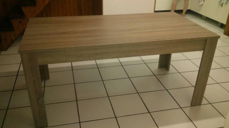 Table neuve annonce meubles et d coration concordia for Meuble concordia