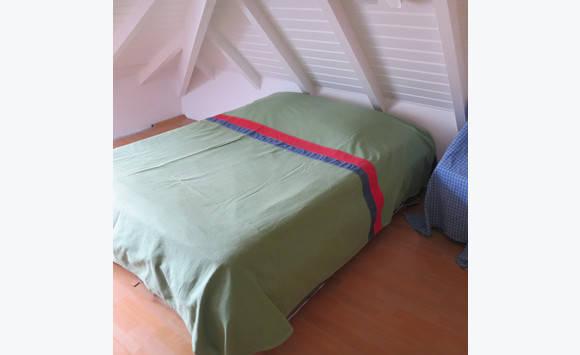 dessus de lit pour king size annonce linge de maison marigot saint martin. Black Bedroom Furniture Sets. Home Design Ideas