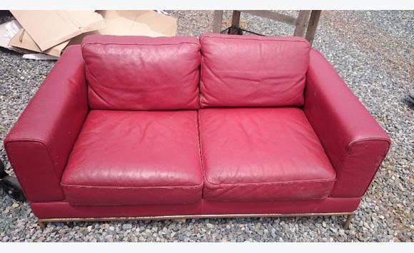 Canap 2 places cuir rouge ikea annonce meubles et - Ikea canape cuir 2 places ...