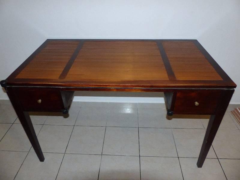 Bureau en bois annonce meubles et d coration oyster for Bureau martin