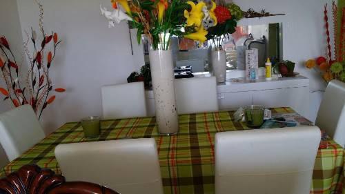 Table 6 chaise buffet miroir annonce meubles et for Clement boisvert meuble trois rivieres