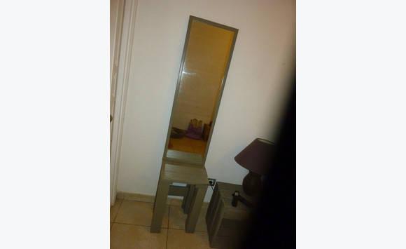 lot miroir tabouret table de nuit meuble tele annonce. Black Bedroom Furniture Sets. Home Design Ideas