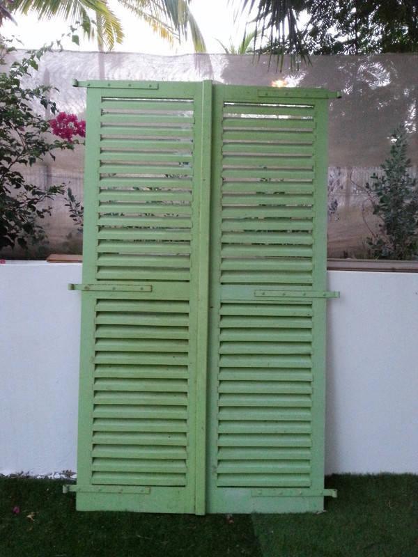 Portes ext rieures taille standard annonce mobilier et for Taille porte standard interieur