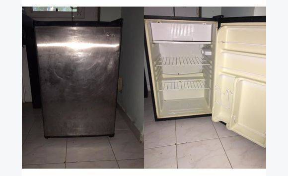mini r frig rateur annonce lectrom nager philipsburg. Black Bedroom Furniture Sets. Home Design Ideas