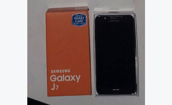 Samsung galaxy J7 16GB