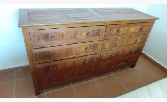commode 8 tiroirs annonce meubles et d coration cul de. Black Bedroom Furniture Sets. Home Design Ideas