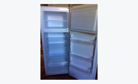 refrigerator freezer classified ad household electrics rambaud saint martin. Black Bedroom Furniture Sets. Home Design Ideas