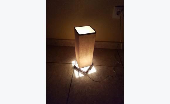 Lampe de chevet interrupteur socle tactile annonce for Interrupteur lampe de chevet