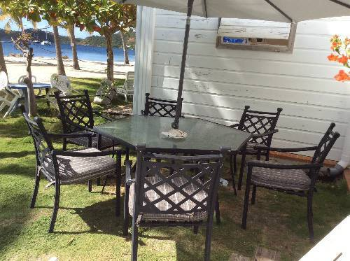set patio annonce mobilier et quipement d 39 ext rieur. Black Bedroom Furniture Sets. Home Design Ideas