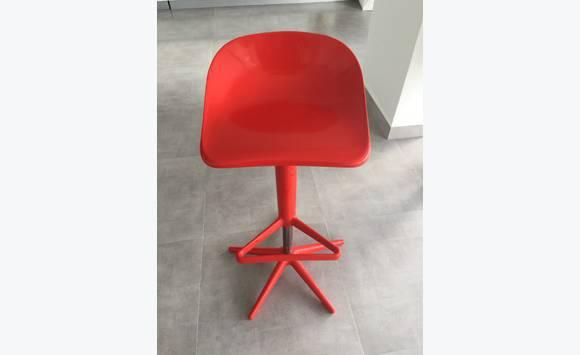 barre de chaise table ou annonce meubles et d coration sint maarten. Black Bedroom Furniture Sets. Home Design Ideas