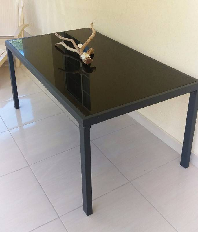 table d ext rieur annonce mobilier et quipement d. Black Bedroom Furniture Sets. Home Design Ideas
