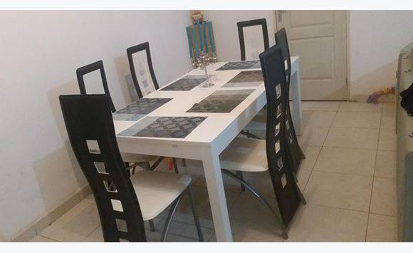 Ensemble table extensible 12 personnes 6 chaises annonce meubles et d coration sada mayotte - Table extensible 12 personnes ...