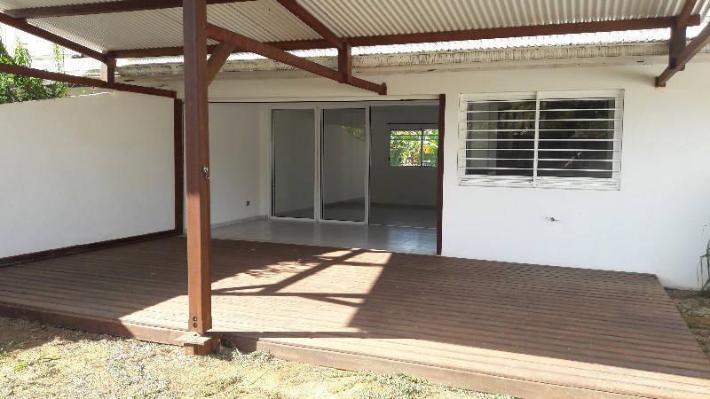 Villa T4 avec grande terrasse couverte et jardin - 1 399 ...