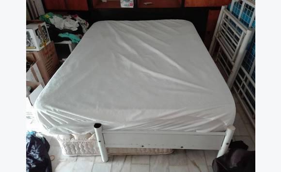 lit 2 places sommier matelas drap annonce meubles et d coration cul de sac saint martin. Black Bedroom Furniture Sets. Home Design Ideas
