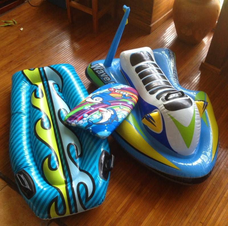 jet ski planche gonflable enfant annonce jeux jouets marigot saint martin. Black Bedroom Furniture Sets. Home Design Ideas