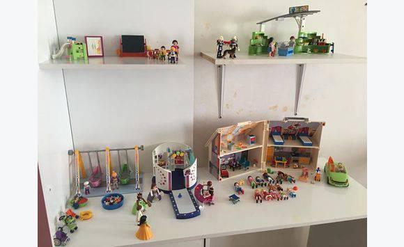 lot de playmobil annonce jeux jouets la r union. Black Bedroom Furniture Sets. Home Design Ideas
