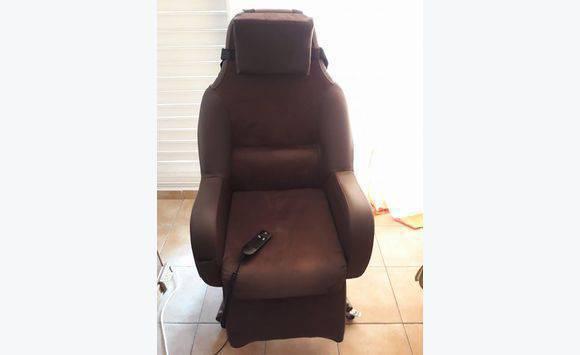 fauteuil releveur lectrique annonce meubles et d coration morne l 39 eau guadeloupe. Black Bedroom Furniture Sets. Home Design Ideas