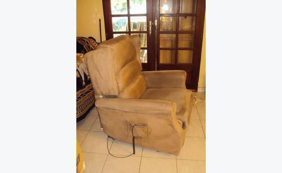 un fauteuil de repos m dicalis annonce meubles et d coration guyane. Black Bedroom Furniture Sets. Home Design Ideas
