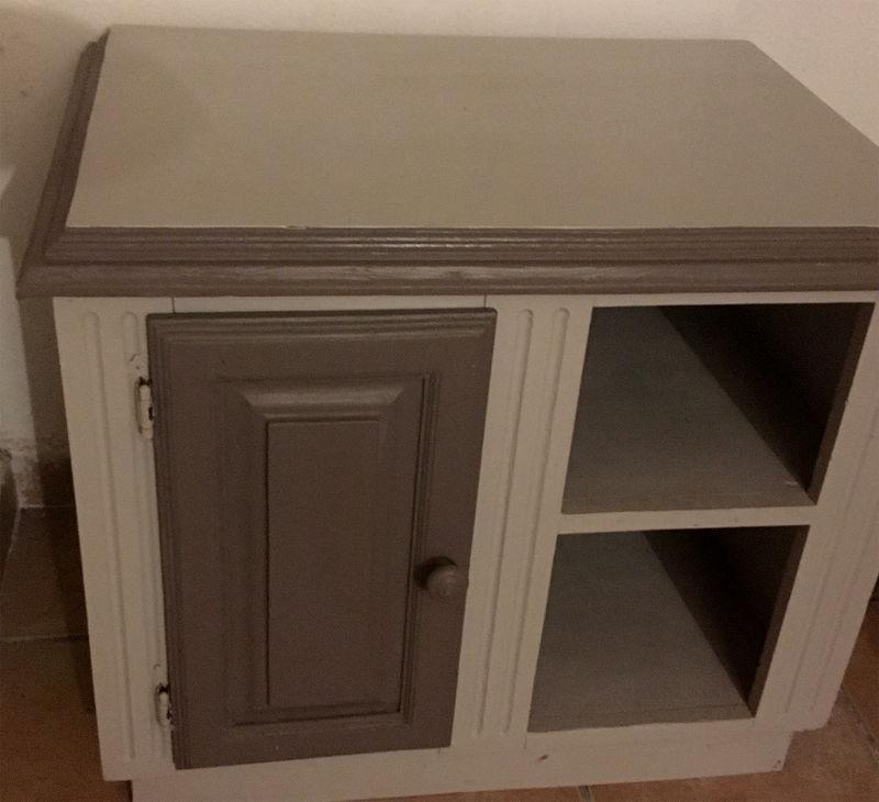 Table de chevet ou meuble d 39 appoint annonce meubles et for Meuble martin