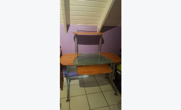 Bureau annonce meubles et d coration marigot saint martin for Bureau martin