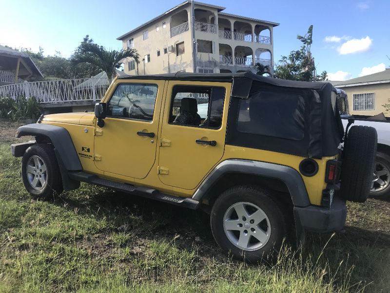jeep wrangler 4 portes annonce voitures la savane. Black Bedroom Furniture Sets. Home Design Ideas