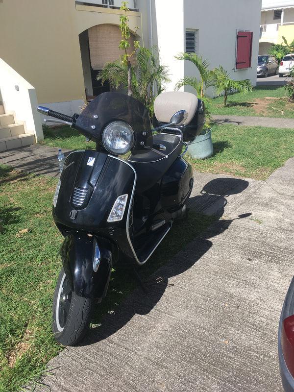 piaggio vespa 300 cm3 gts annonce motos scooter quad la savane saint martin. Black Bedroom Furniture Sets. Home Design Ideas