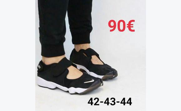 check-out f4554 5c1e4 Nike Air Rift (Ninja)