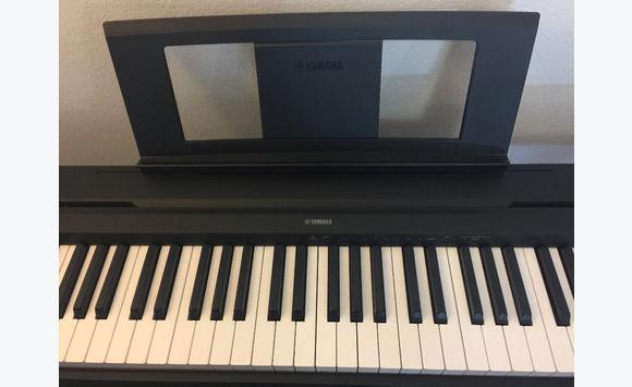 piano numerique neuf annonce instruments de musique saint martin. Black Bedroom Furniture Sets. Home Design Ideas