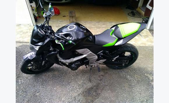 kawasaki z750 motos scooter quad guadeloupe cyphoma. Black Bedroom Furniture Sets. Home Design Ideas