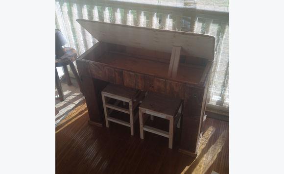 Bureau bois de palette pupitre pour enfant annonce - Bureau en bois pour enfant ...