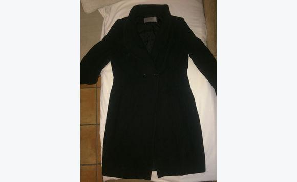 manteau noir zara v tements saint martin. Black Bedroom Furniture Sets. Home Design Ideas