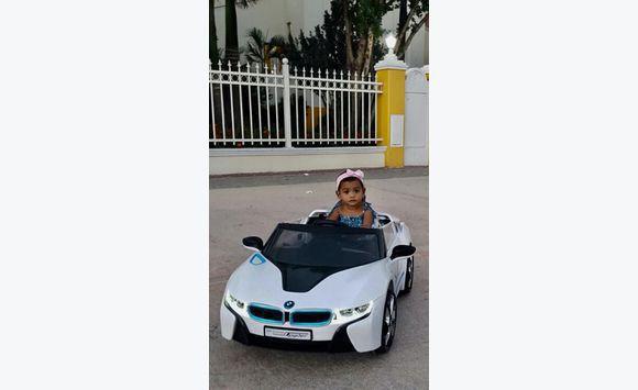 Bmw I8 Spyder Kids Powered Wheel 12v Games Toys Sint Maarten
