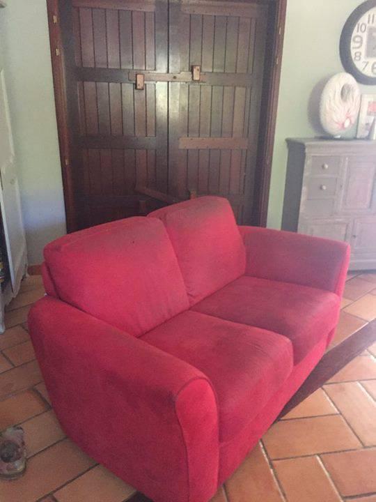 Canape rouge feu 2 places annonce meubles et for Canape orientale