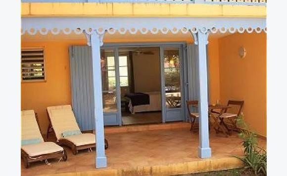 Studio meubl l 39 ann e parc baie orientale annonce for Albert tremblay meuble la baie